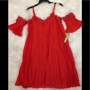 Gianni Bini Red cold shoulder dress flowy sz xs